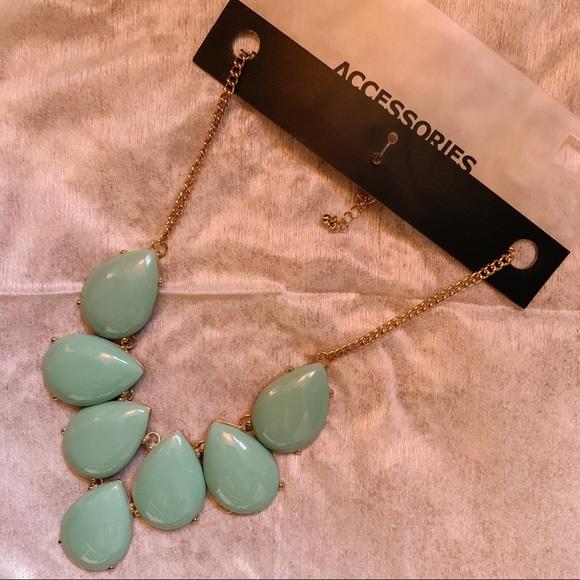 "2/$15 SALE ✨ Statement Necklace - 14"" Chain"